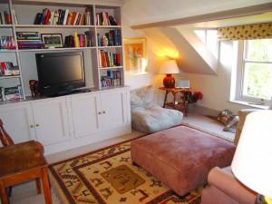 Cosy sitting room image