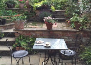 Breakfast outside at Avalon House